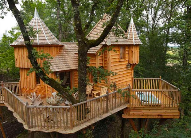 Mini tree castle