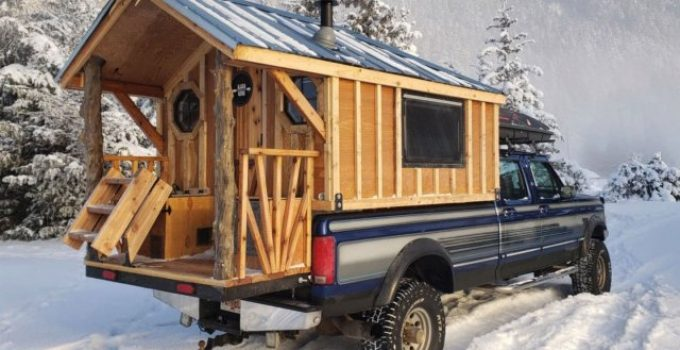 Wood cabin camper