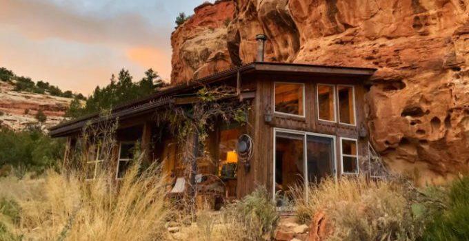 Cliff cabin