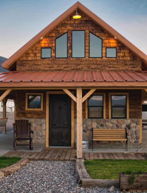 Ranch cabin entry