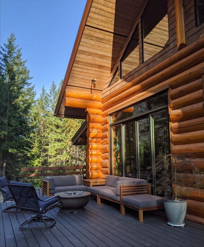 Log cabin in BC